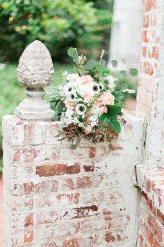 Bridal bouquet by Porch Therapy at The Peachtree House Estate | Debra Eby Photography Co.