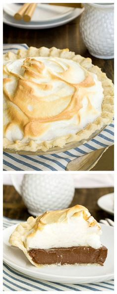 Chocolate Meringue Pie Old-fashioned Chocolate Meringue Pie - just like grandmother made!Old-fashioned Chocolate Meringue Pie - just like grandmother made! 13 Desserts, Delicious Desserts, Dessert Recipes, Yummy Food, Plated Desserts, Cupcake Recipes, Healthy Desserts, Chocolate Meringue Pie, Chocolate Pies