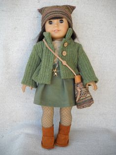 Outfit with green sweater and UGG-like boots