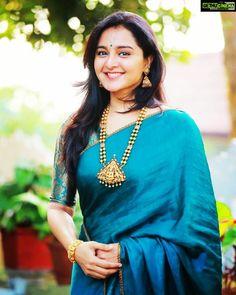 Asuran Movie Actress Manju Warrier 2019 Latest HD Photos - Gethu Cinema Silk Saree Blouse Designs, Saree Blouse Patterns, Fancy Blouse Designs, Saris, Festivals, Saree Jewellery, Bridal Jewellery, Sari Dress, Bandeau Outfit