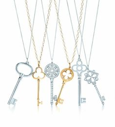 Want one of these Tiffany necklaces with every ounce of my being, sigh...
