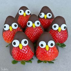 Strawberry Penguins with Chocolate Covering Country & Victorian Times … – kids baking ideas Holiday Treats, Holiday Recipes, Healthy Christmas Treats, Fall Recipes, Food Art For Kids, Party Food For Kids, Kids Food Crafts, Fun Snacks For Kids, Kid Party Foods