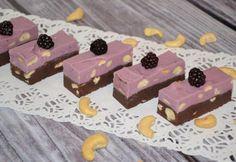 Ciocolată de casă cu mure și caju | Click! Pofta Buna!