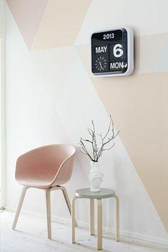 skandinavische möbel couchtisch stuhl wandfarbe