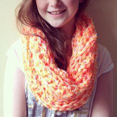 Sciarpa realizzata grazie al  finger crochet