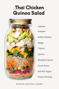 Thailändischer Huhn-Quinoa-Salat mit Erdnuss-Behandlung May 14 Incredible Thai Chicken Quinoa Salad paired with a sweet & savory peanut dressing! This flavorful salad is packed with fresh mango, carrots, re… Mason Jar Meals, Meals In A Jar, Mason Jar Food, Mason Jar Recipes, Mason Jar Lunch, Lunch Meal Prep, Healthy Meal Prep, Clean Eating Snacks, Healthy Eating