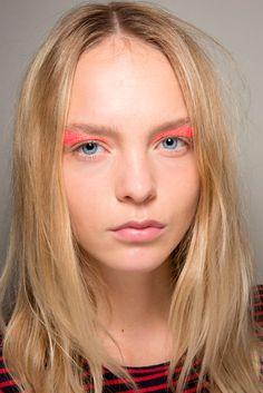 GIAMBATTISTA VALLI   Fashion Eyeliner 2016   Confesiones de una Casual girl   #fashion #beauty #trends #makeup #eyeliner #runway #maquillaje #moda #belleza #tendencias #pasarelas #blog