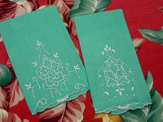 Lovely Vintage Pair Guest Towels Turquoise by auntnonniesnest, $8.00