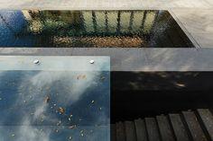 Swimming pool. Olivier Vallat Architectes. Photo © Luca Fascini