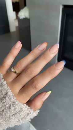 Cute pastel nails kylie jenner story nails pastel and color full with different fingers Kylie Nails, Aycrlic Nails, Nail Manicure, Hair And Nails, Manicure Ideas, Oval Nails, Gradient Nails, Coffin Nails, Nail Polish