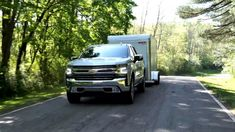 Chevrolet will offer four levels of towing-assistance features on its 2019 Silverado 1500 pickup truck. They include extra rear-view cameras, mobile apps and technology to help line up with the hitch and parking-brake assistance. Construction For Kids, Commercial Construction, 2019 Silverado, Chevrolet Silverado 1500, First Day Of Summer, Summer Is Here, Trailer Tires, Current Picture, Camera Apps