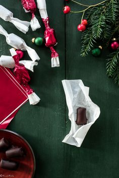Mindenmentes házi szaloncukor - MennyeiMentes Christmas Ornaments, Holiday Decor, Blog, Home Decor, Decoration Home, Room Decor, Christmas Jewelry, Blogging, Christmas Decorations