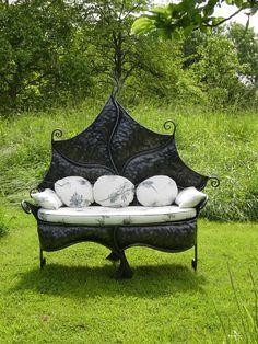 '''Leaf Chair', by Bex Simon, female blacksmith...so creative ‼''  I totally love this!