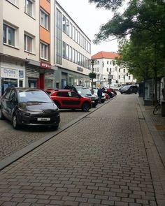Hildesheim, 7. Mai 2017, Automeile in Hildesheim. . . . #hildesheim #germany #deutschland #männerkram #niedersachsen #autos #autos #bestofhildesheim #instagram #instergramde #alemania #amateurphotographer #foto #photo #photographer #photographers http://unirazzi.com/ipost/1509383704308115617/?code=BTyaHtlDGih