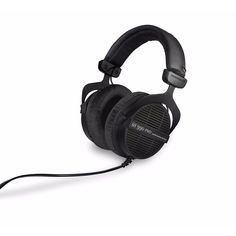 The DT990 PRO is an open dynamic headphone for studio applications.Due to a weight reduction of the diaphragm an excellent soundreproduction quality is achieved. Its rugged design with a spring steelh