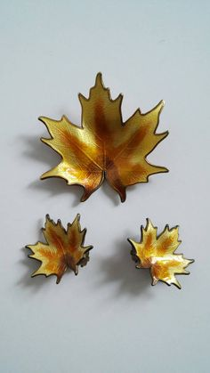 Hey, I found this really awesome Etsy listing at https://www.etsy.com/listing/475295466/vintage-enamel-leaf-brooch-earring-set
