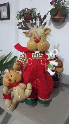 Christmas Clay, Christmas Tree Themes, Christmas Fabric, Christmas Time, Fabric Wreath, Fabric Decor, Holiday Fun, Holiday Decor, Christmas Crafts