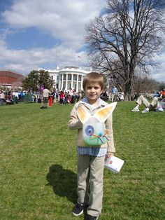 Lynden and his homemade Easter basket on the White House lawn.