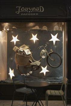 Pretty store window  #giftshopmag.com
