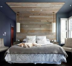 wood-pallet-bed-headboard-art
