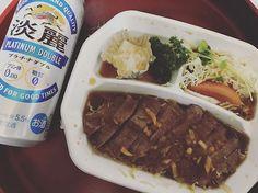 いただきます✨ #オリオン #大好き #favorite #レストラン #restaurant #美味しい #delicious #オススメ #steak #和風ステーキ #和風 #ステーキ #meat #肉 #ビーフ #牛肉 #beef #ご飯 #晩ご飯 #お持ち帰り #テイクアウト #takeout #togo #発泡酒 #beer #lowmaltbeerlikebeverage #淡麗 #キリン #KIRIN