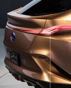 [Details On 101] The Exclusive shot of the Lexus LF-1 limitless Concept. (Rear view). With elegance in mind, the Lexus LF-1 limitless…