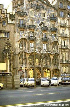 Barcelona, España - Gaudí                                                                                                                                                      Más