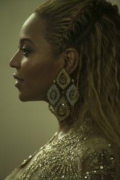 • Pinterest/Itsjustbxth • Queen B. Beyoncé Más