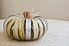 "Simply Klassic Home: Canning Jar Lid ""Junkin' Pumpkin"" @Leslie Hartman Marshall...may have to re think our october craft!"