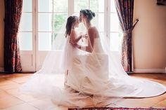 Photo : Floriane Caux // Bride and daughter #love #bride #kid #wedding