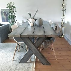 3 Simple Improvement Ideas For Your Kitchen Space – Home Dcorz Couch Table, Table And Chair Sets, Wooden Dining Tables, Dinning Table, Diy Storage Cabinets, Home Furnishings, Home Furniture, Diy Home Decor, Table Decorations