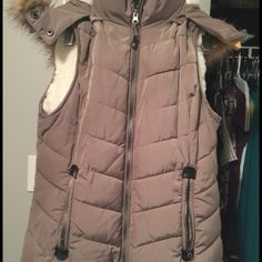 Vest in great condition Thick Vest, hood can be removed, very good condition, perfect for winter Green tea Jackets & Coats Vests