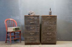 Vintage Bedroom Furniture & Accessories Marketplace Shopping Guide