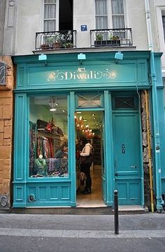 This is my favorite shop in the entire world. So amazing and beautiful. It kills me (but saves me a fortune) that the website doesn't yet ship to the U.S.