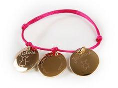 Bracelet avec choix de différentes formes de médailles  Composez vous même votre bijou avec différents pendentifs . Les mamans les mamies sont ravies de le recevoir comme cadeau avecles prénoms de leurs enfants ou petits enfants. matière: argent 925/000ème ou plaqué or taille: 2 cm