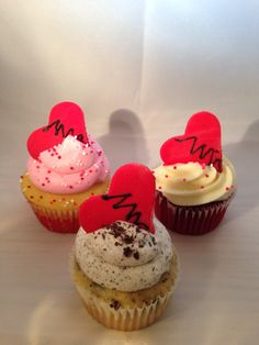 Broken heart cupcakes for those who aren't a fan but just want to have a party or a treat on Valentine's day.