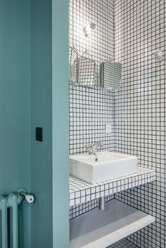 bathroom mosaïque blanche joints noirs