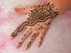 Half the hand Henna
