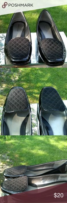 d3a60e7a4bfb Bandolino black loafers Man-made uppers