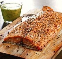 Filet de saumon cuit sur planche de cèdre, vinaigrette citronnée Filets, Vinaigrette, Banana Bread, Salmon, Main Dishes, Bbq, Stuffed Mushrooms, Desserts, Recipes