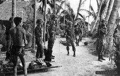 Heer zeltbahn - pin by Paolo Marzioli Vietnam War Photos, My War, German Uniforms, Military Service, German Army, Luftwaffe, Usmc, World War Two, Wwii