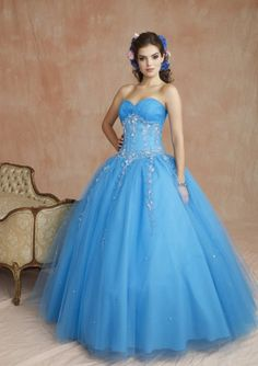 Sweet 16 dress this would be perfect for me only in a dark blue ...