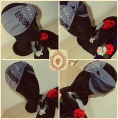 Turbante en gris con aplique en negro, tul y swarosky.