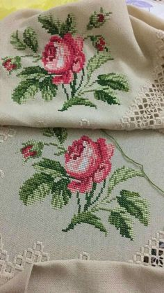 This Pin was discovered by ele Cross Stitch Rose, Cross Stitch Borders, Cross Stitch Flowers, Cross Stitch Designs, Cross Stitching, Cross Stitch Embroidery, Embroidery Patterns, Hand Embroidery, Cross Stitch Patterns
