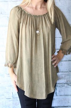 In love with this olive, acid washed top! Our top Thanksgiving pick;) 15% Net Profit donated to The Wellhouse- an organization that rescues women from human trafficking  SHOP NOW www.thread2911.com