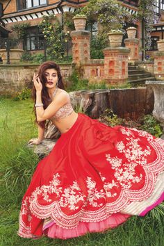 "sabyaasachi: """"Jacqueline Fernandez in Anushree Reddy "" "" Beautiful Bollywood Actress, Beautiful Actresses, Indian Designer Outfits, Indian Outfits, Bollywood Celebrities, Bollywood Fashion, Sonam Kapoor, Deepika Padukone, Fashion Poses"
