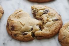 Vegas Chocolate Chip Cookies | Giadzy Cookie Desserts, Cupcake Cookies, Cookie Bars, Just Desserts, Delicious Desserts, Dessert Recipes, Cupcakes, Giada De Laurentiis, Giada Recipes