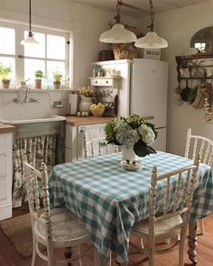 Every time I post I feel like Im having coffee chic kitchen island chic kitchen french shabby chic kitchen chic kitchen country French Country Kitchens, French Country House, French Country Decorating, Country Style, English Cottage Kitchens, Cocina Shabby Chic, Shabby Chic Decor, Cozy Kitchen, Rustic Kitchen