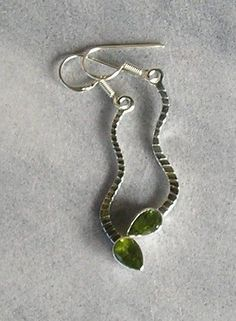 PERIDOT AND STERLING SILVER DROP EARRINGS Box Chain, Selling On Ebay, Peridot, Drop Earrings, Sterling Silver, Holiday, Shopping, Things To Sell, Jewelry