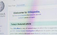 """Wikipedian sisällöntuottajat ovat äänestäneet Daily Mailin """"yleisesti epäluotettavaksi"""" tietolähteeksi. Perusteluja olivat muun muassa heikko faktantarkistus, sensaatiohakuisuus sekä suoranaiset valeuutiset."""